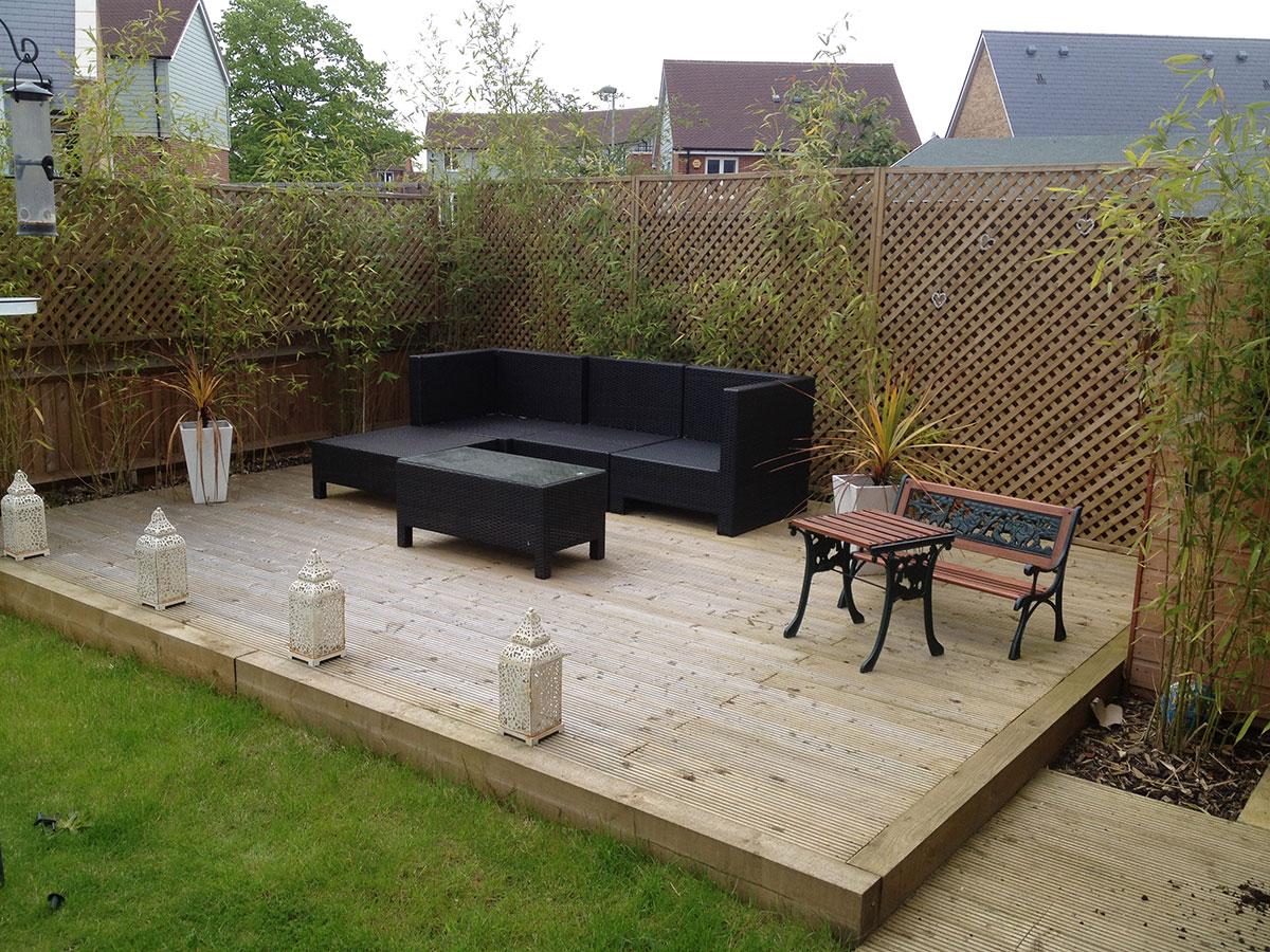 Wooden decking construction berks and Surrey